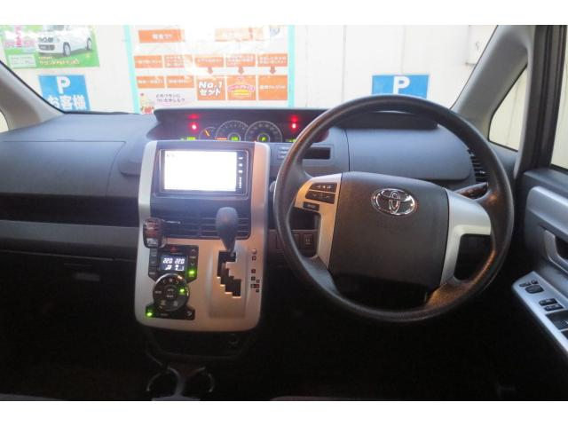 トヨタ ノア S 4WD
