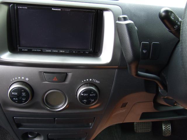 トヨタ bB Z エアロパッケージ 4WD HDDナビ・純正11スピーカー