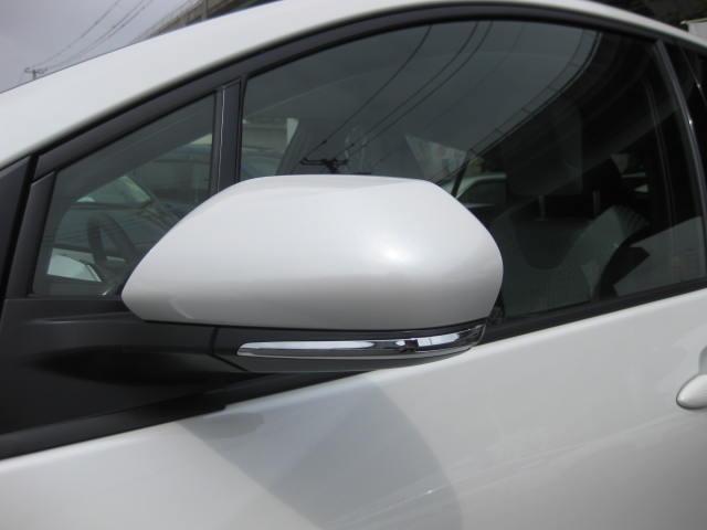 トヨタ プリウス S 未使用車 LEDライト スマートキー