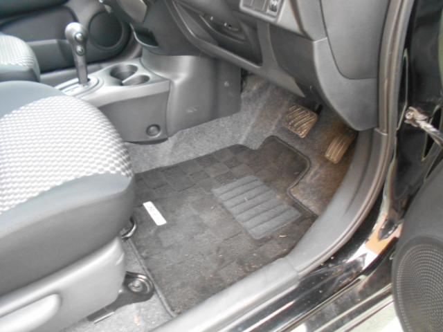 内装は室内清掃後の納車となります♪♪ 外装ももちろん洗車後の納車となります!! プロスタッフがまごころ込めて仕上げます!!