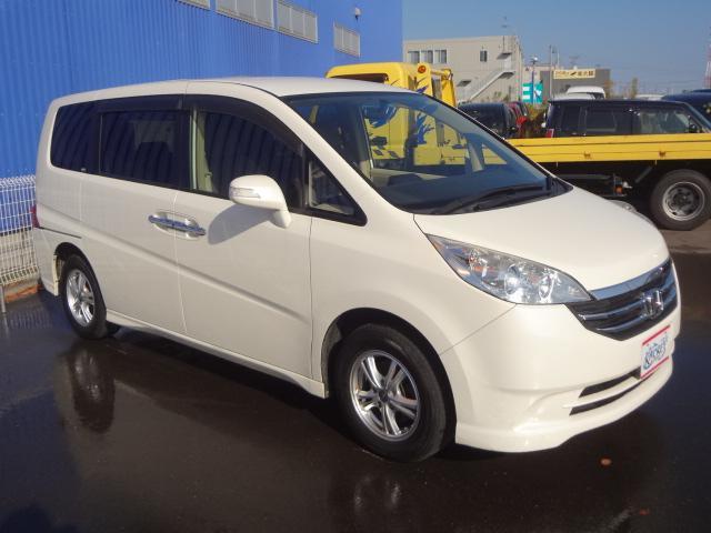 ホンダ ステップワゴン G L HDDナビPKG 両側パワスラ 8人乗り 4WD
