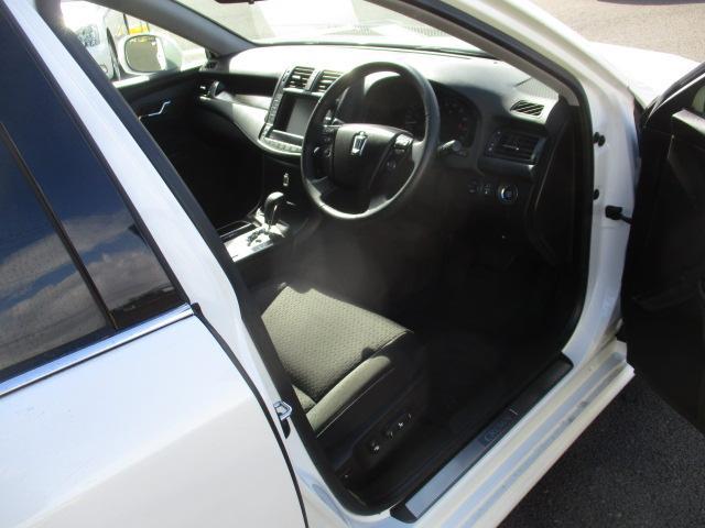 トヨタ クラウン 2.5アスリート ナビパッケージ メーカーHDD フルセグ