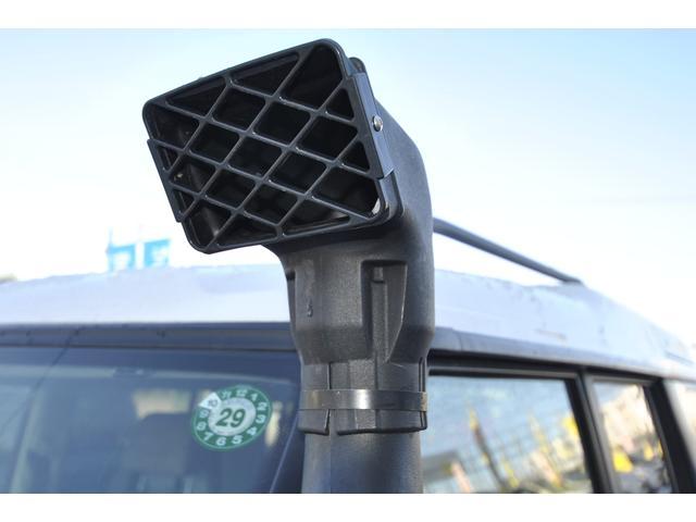 車検は平成30年10月13日迄です♪天井のたるみが有名ですが、当社にて新品生地で張替え済み♪当社入庫後に追加で取付たパーツは、三菱製地デジメモリーナビ&バックカメラ&三菱製2.0ETC。
