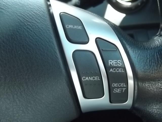 オートクルーズ機能付。高速走行時に速度設定をすると、アクセルを踏まなくてもスピード維持が可能です!無駄な加減速もなくなります。