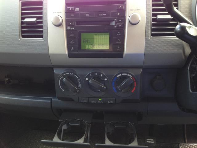 純正オーディオになります!CD,MD,ラジオを簡単操作で聞けます♪冷暖房のチェックもばっちりです!快適に過ごすためには欠かせないですね♪