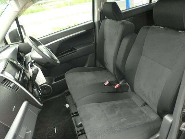 4WDなのでシートヒーター付きです。
