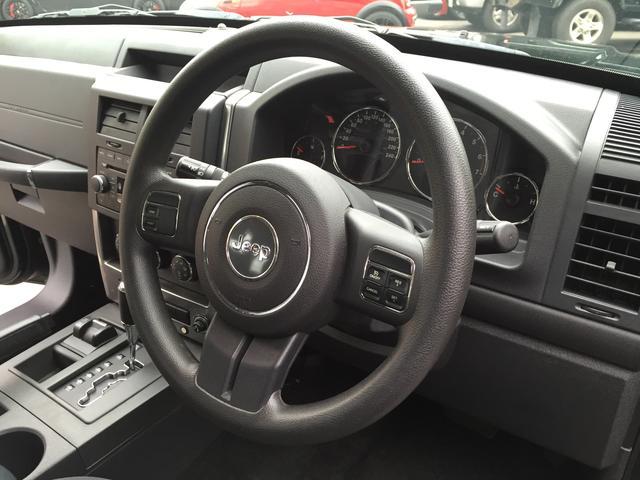 クライスラー・ジープ クライスラージープ チェロキー スポーツ 4WD リフトアップ 社外17インチホイール