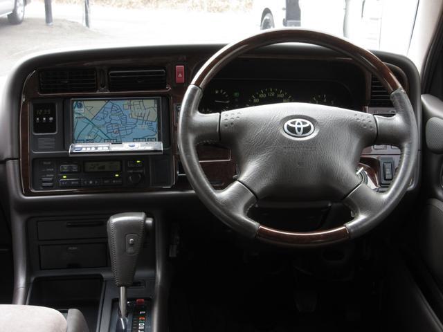トヨタ ハイエースワゴン スーパーカスタムリミテッド4WDキャプテンシートウッドステア
