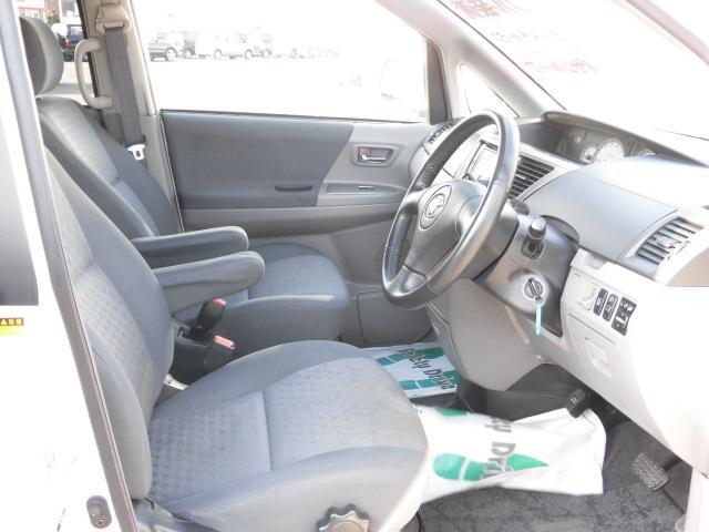 ★広々しているので運転していても疲れにくいんですね!