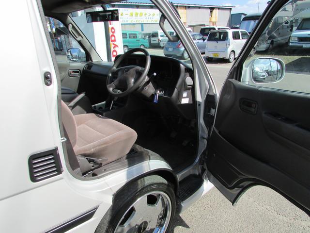 トヨタ ハイエースワゴン スーパーカスタム 純正エアロ 4ナンバー登録済 18アルミ