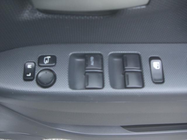 電動格納ミラー付き♪駐車場でもこれが付いてると安心です!