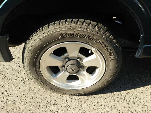 タイヤはまだ十分使用出来ます。