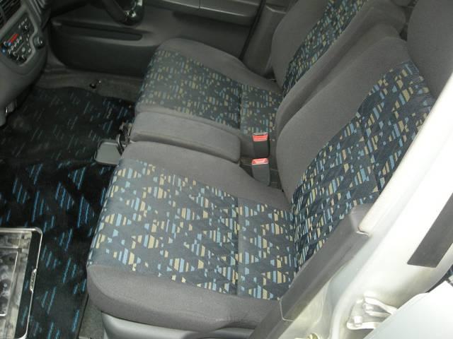 助手席モケットシート付きのプレオRMです!