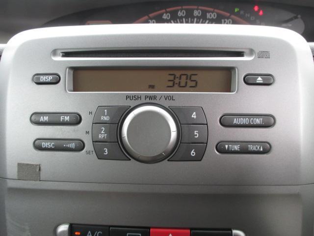 純正CDでも結構良い音です。もちろんナビの取り付けなどもできます。お気軽にスタッフまでお声掛けくださいね。
