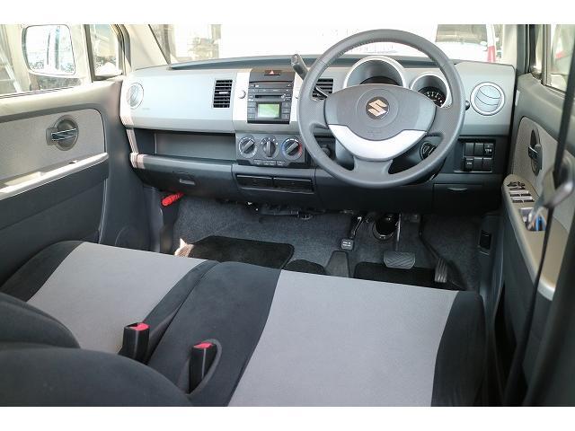 運転席は、気になるシミや汚れも無く綺麗な状態になります。
