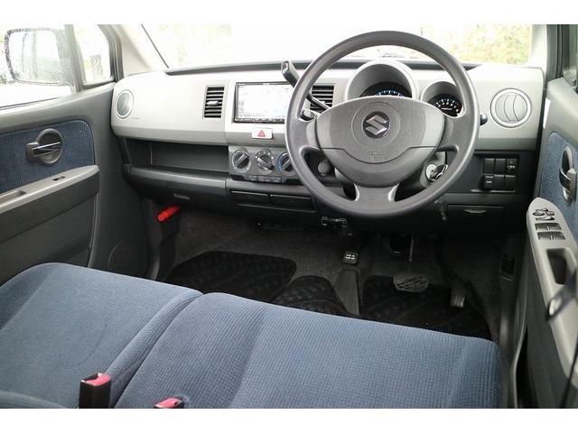 運転席は、気になるシート汚れやシミも無くきれいな状態になります。