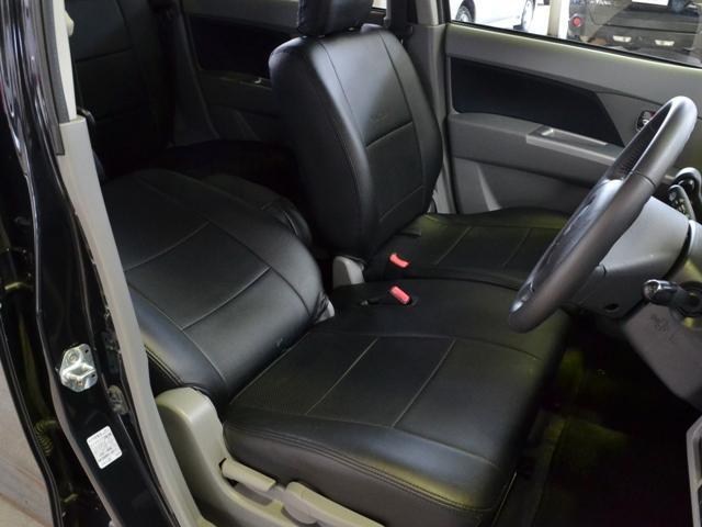 シートには革調のシートカバーを装着しております★