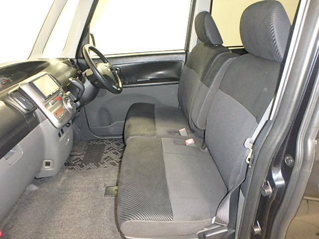 まるまるクリンで、運転席・助手席は綺麗です!