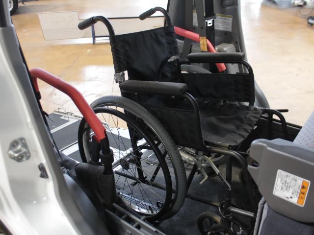 ☆車いす車載例☆車椅子の方もゆったりとご乗車していただけます☆