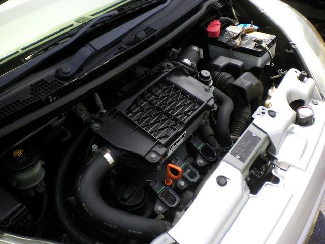 エンジン内部も綺麗にしております!