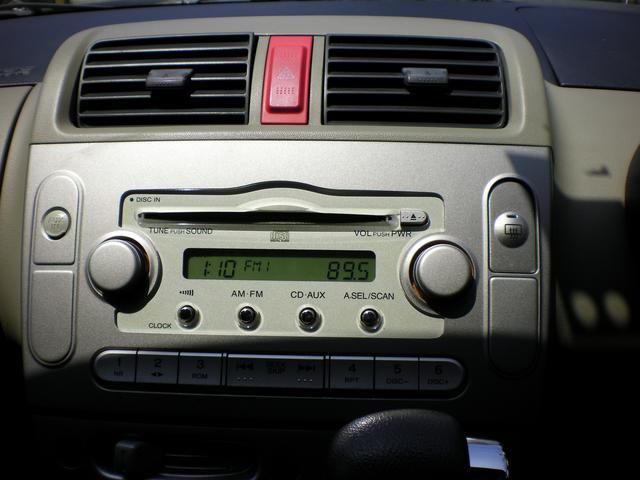 純正オーディオ!CDもバッチリ聴けます!