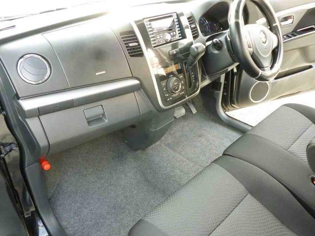 シートは前オーナー、シートカバー使用していたので、使用感なく、きれいです!