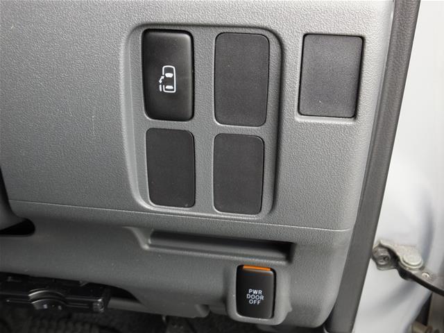☆☆☆【運転席からもボタン操作で自動開閉の左側後部パワースライドドアで、乗り降りラクラクを体感して下さい】★★★
