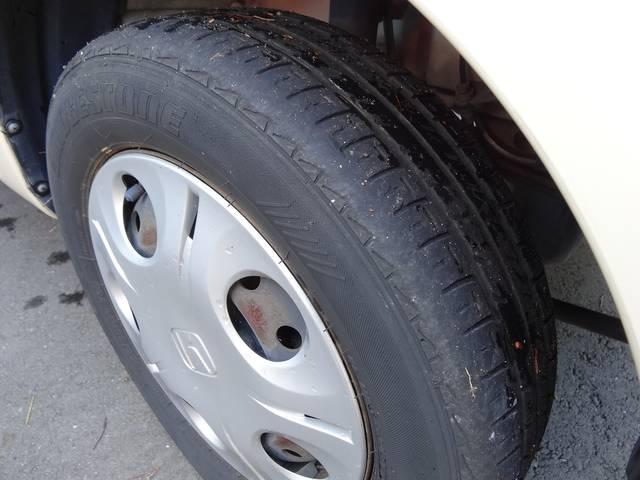 残りのタイヤ溝が少なくなっています。新品タイヤパックをご用意させて頂いております。お得にタイヤ交換のチャンスです!ご購入の際は是非ご検討ください。
