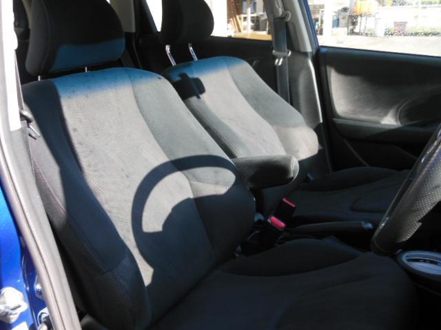 フロントシートもホールド感バッチリ(´艸`*)あの子の気持ちもホールドしちゃえ(´艸`*)このお車が気になる方は無料電話、もしくは090−7894−1388まで~( *´艸`)