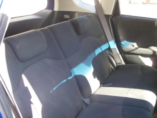 リヤシートも広々であの子とのドライブ中にゆっくり後ろに座って話す事もできるぜ~(ΦωΦ)フッフッフッこのお車が気になる方は無料電話、もしくは090−7894−1388まで~( *´艸`)