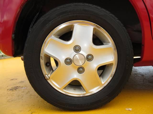 まだまだ使えそうです♪軽自動車のタイヤは新品も安いです。込み込み価格のアルトラパン!お早めに在庫確認を♪
