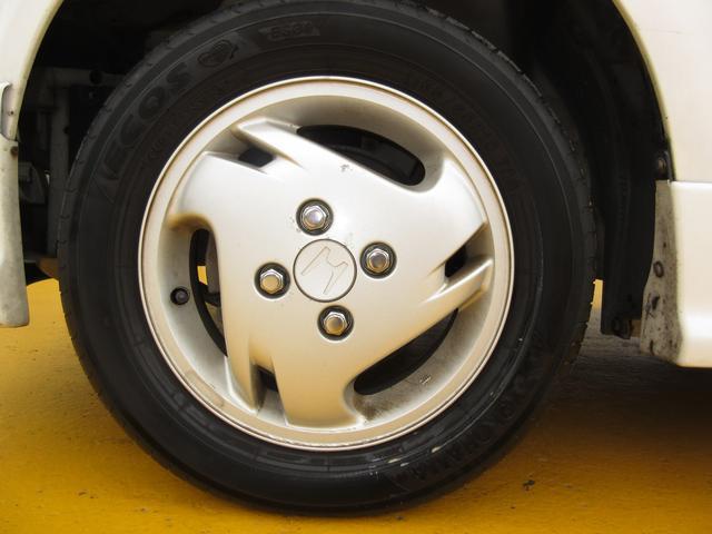 タイヤもまだまだ使えそうです♪軽自動車のタイヤは新品も安いです。込み込み価格のライフ!お早めに在庫確認を♪