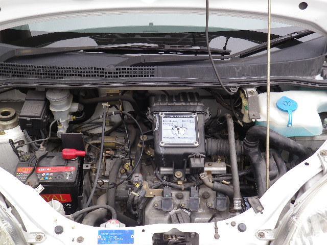 好調な状態のエンジン。タイミングベルトもこのたび交換しました。