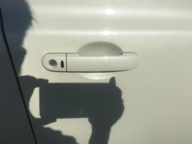あると便利なインテリキー付き。鍵はカバンやポケットの中から出し入れ不要!
