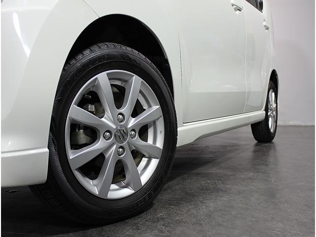 AISとは、お車の鑑定士が、外装、内装、エンジン等の機関系、324項目に及ぶ車輌状態の検査をして車の品質を評価する「中古車検査品質基準」です。買って安心!乗って安心!AISライセンス取得者在籍店です。