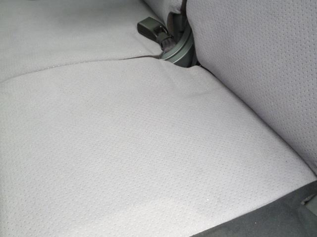 助手席側後部座席:目だった汚れ等はございません。