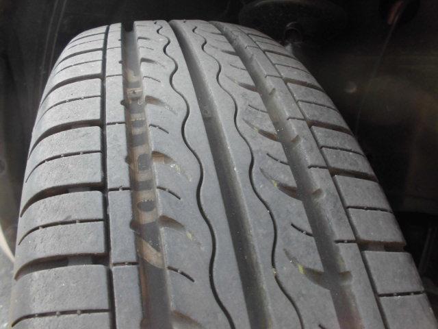 タイヤ溝もばっちし残ってますので、安心してご購入いただけますよ!