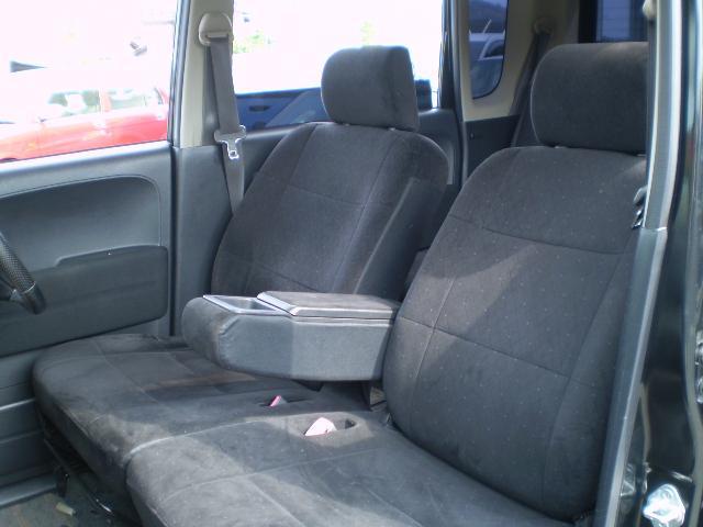 運転席・助手席も広々。運転しやすいね。