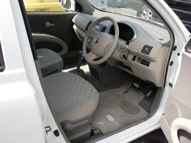 内装綺麗です!運転しやすい車です。