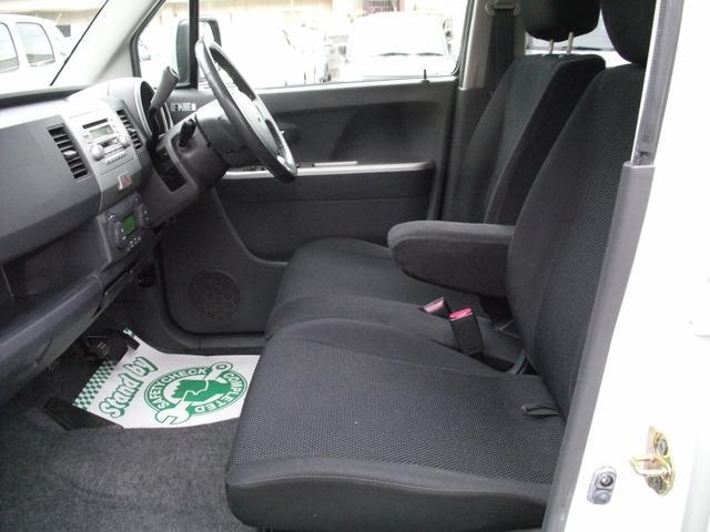 Wエアバック・キーレス・ABS・オートエアコン・CD・電動格納ミラー・革巻きステアリング