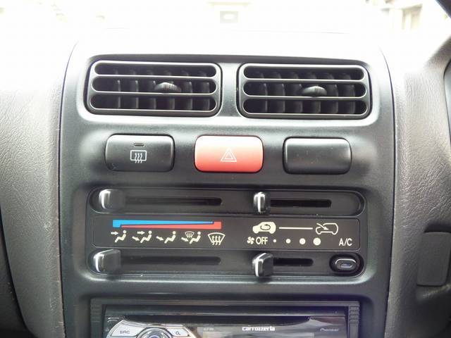 エアコンも良く効きます!車内を快適な温度に保つことができます♪