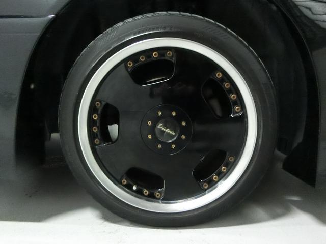 外品の18インチアルミです!かっこよく決まっています!タイヤの山はないようです!別途お安く販売しております!ご相談ください!