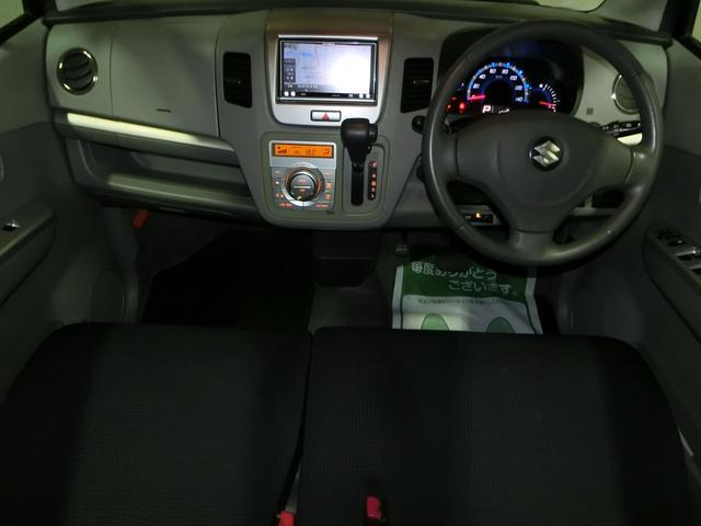 フル装備!・ABS・CD・メモリーナビ地デジフルセグTV・キーレス・ETC・オートエアコン・など嬉しい豪華な装備です!(全て現状でのお渡しです)