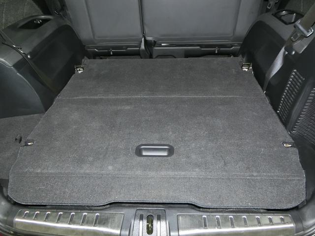 トランクもみての通り!後部座席を倒せば十分に荷物が載せられますね!