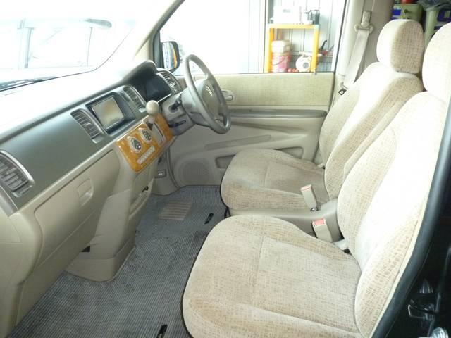 運転席、助手席ともにゆったりとしています!長時間の運転や乗車でも快適にお過ごしいただけます♪座り心地も良く、快適なドライブをお楽しみいただけます♪