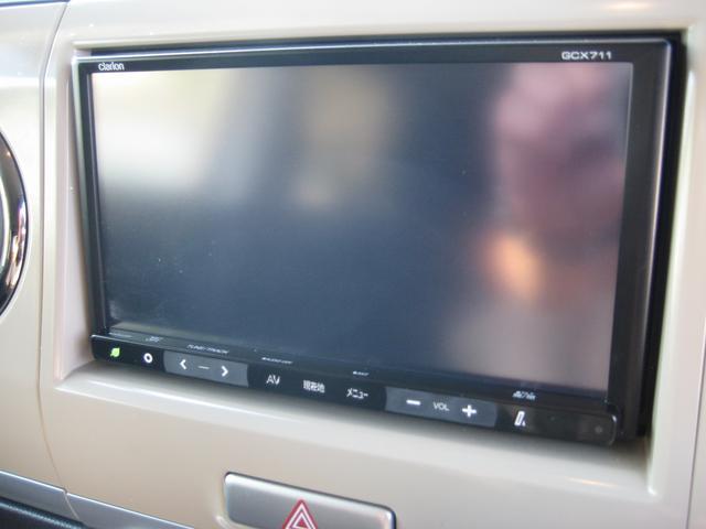 TVはフルセグ4チューナー、DVDビデオ再生、音楽録音OK,USB接続、Bluetoothなど多機能ナビです。