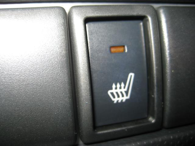 リミテッドはシートヒーター付きです。寒い時期には嬉しい装備です。