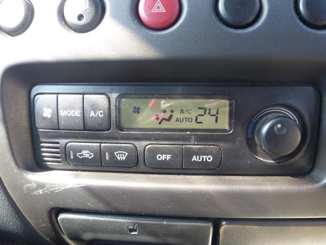 オートエアコン付きでより快適にご使用頂けます♪燃費向上にもなりますね!