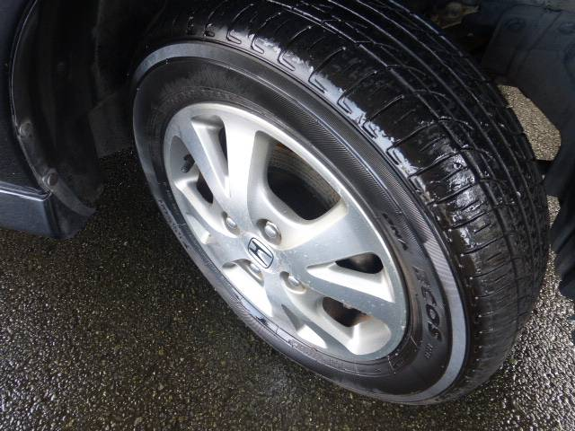 タイヤの溝がない場合はしっかりと溝のあるタイヤに交換してから納車になりますのでご安心ください!