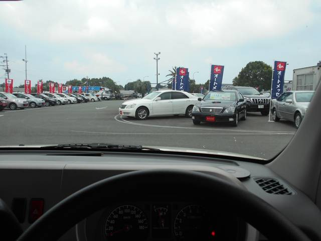 視界が良い運転席です。初心者の方にもお手頃価格です。